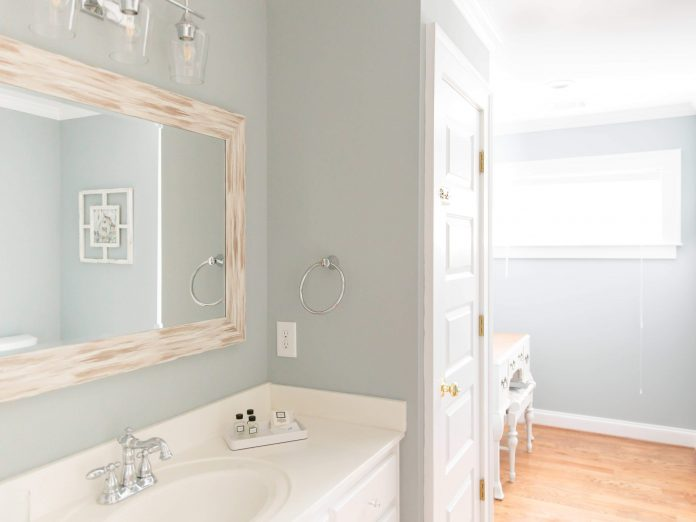 Ava House | Dahlonega, GA | Azalea Bathroom